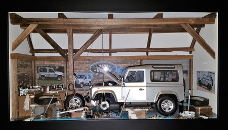 Car Display Box – Land Rover Defender D90 Silver