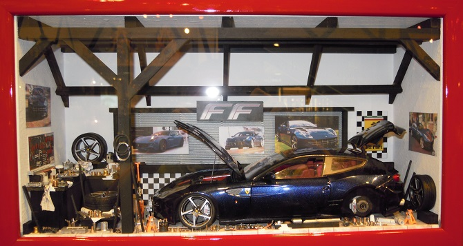 Car Display Box – Ferrari FF