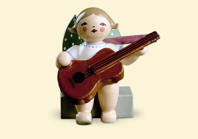 Angel With Guitar – Sitting