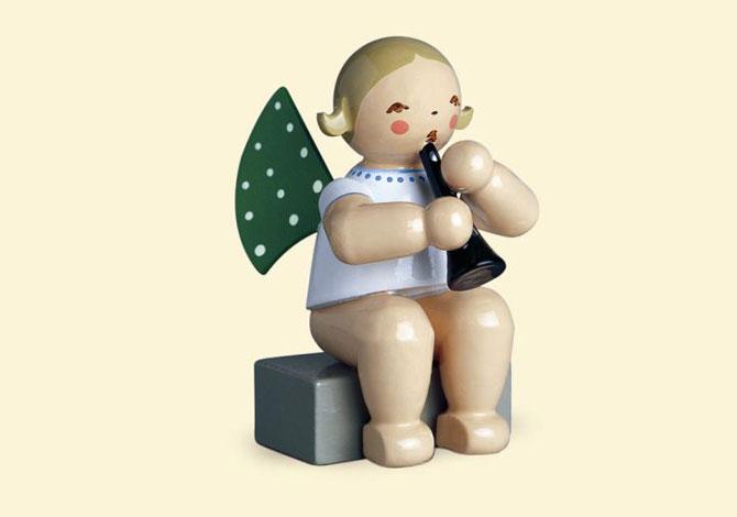 Angel With Clarinet – Sitting
